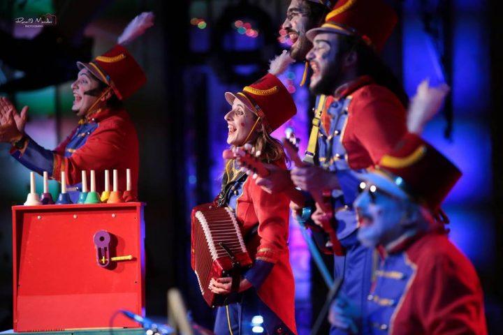 Orquestra de Brinquedos lança DVD na Feira do Livro de Santa Maria